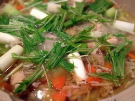 焦がし生姜の鶏鍋