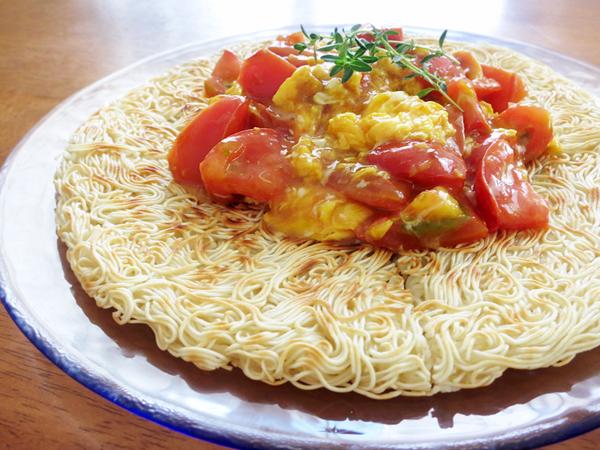ふわとろトマたま素麺ピザ★チンジャオ風