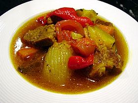 豚肉と夏野菜のサフラン煮 Cochinillo y verdura cocido al azafran