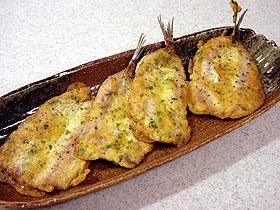 いわしの卵衣焼き Sardinas a la plancha con huevo